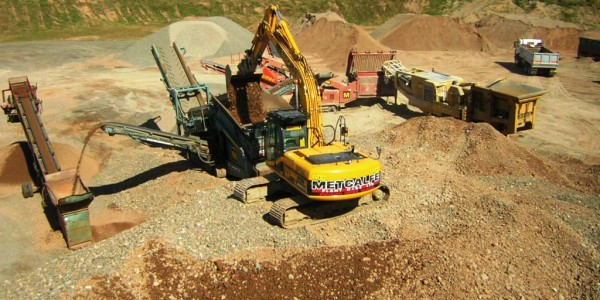 Metcalfe Plant Hire Recycled Aggregate Extraction