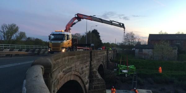 Bank Bridge lifting equipment